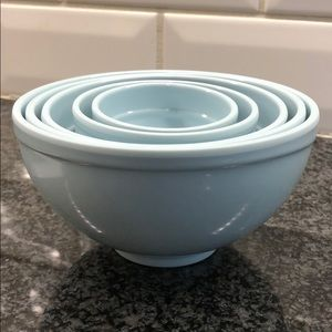 5 Measuring Cups / Bowls.  Melamine